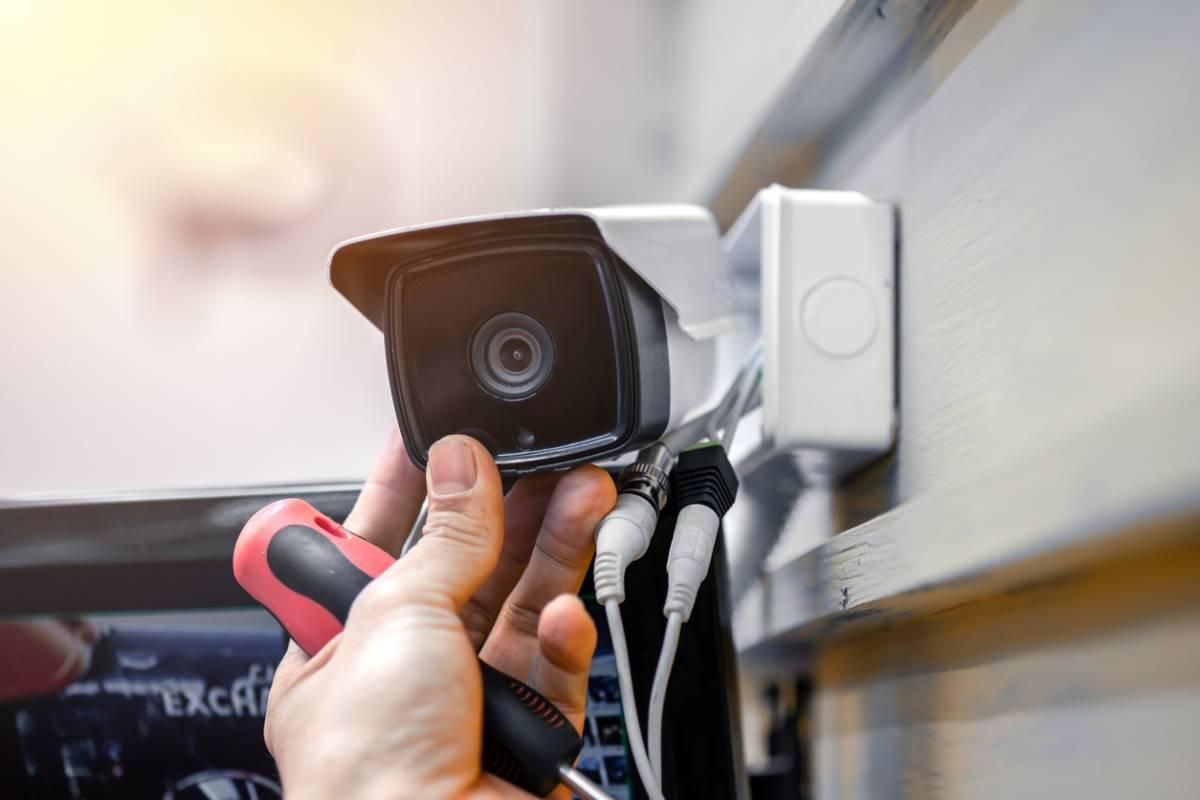 Maison : pourquoi la vidéosurveillance a encore de beaux jours devant elle ?